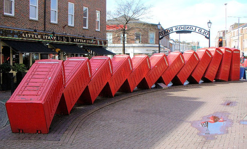 Mach Kingston telephone boxes